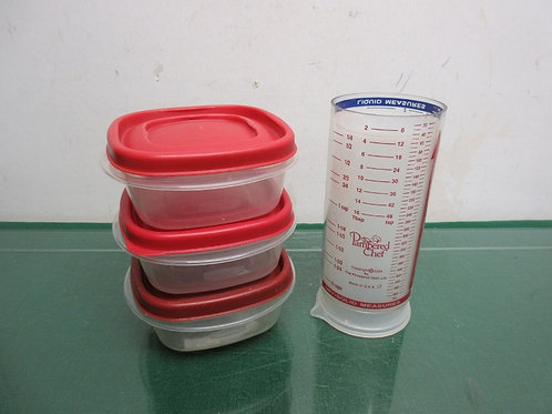 Pampered Chef double sided measuring cup for liquid & dry, also 3 sml. container
