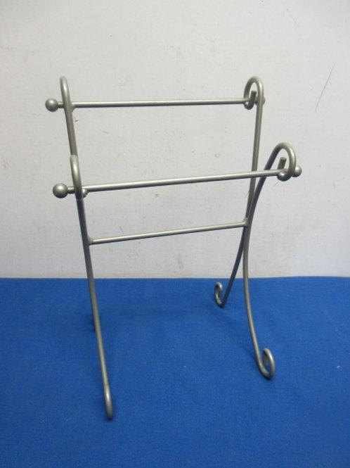 Countertop handtowel rack