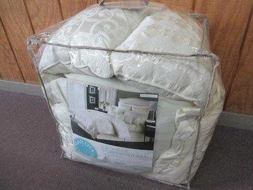 Martha Stewart Cal King 22 pc ivory comforter set