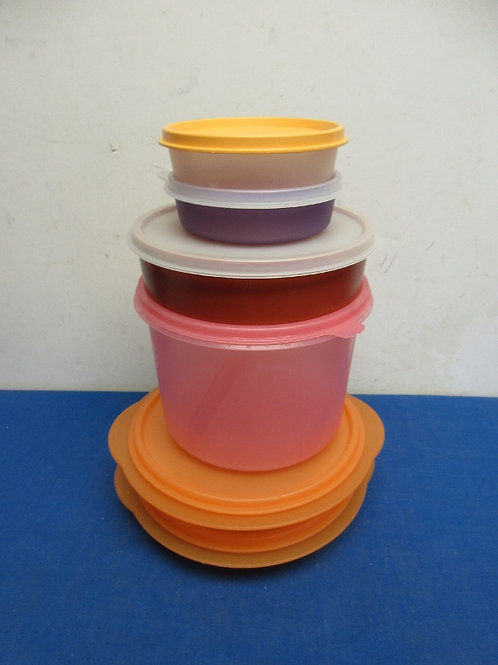 Set of 6 assorted tupperware containers, 2 are collapsible
