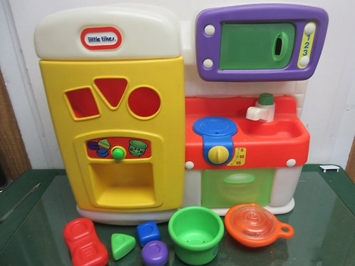 Little Tike small(Tabletop) kitchen--refrigerator, sink, oven & microwave