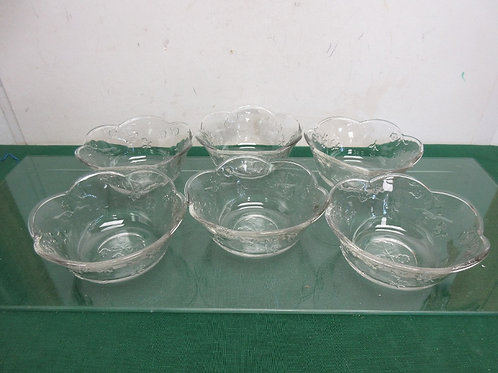 Set of 6 glass bowls with floral detail