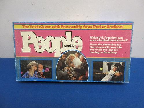 Vintage people weekly trivia game, from 1984
