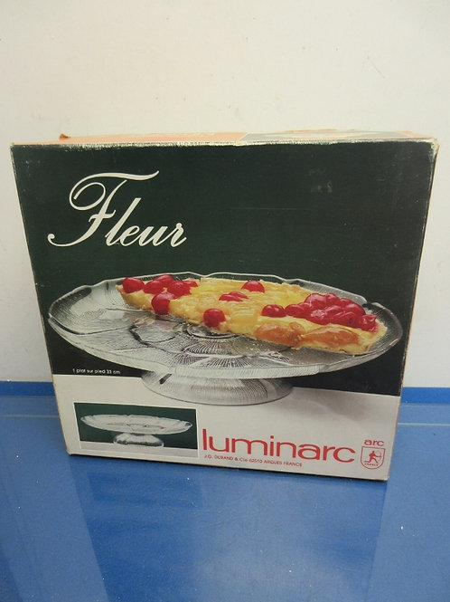Fleur by Luminarc low pedestal cake dish in box