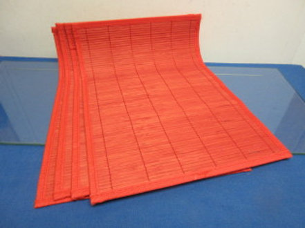 Set of 4 red bamboo placemats