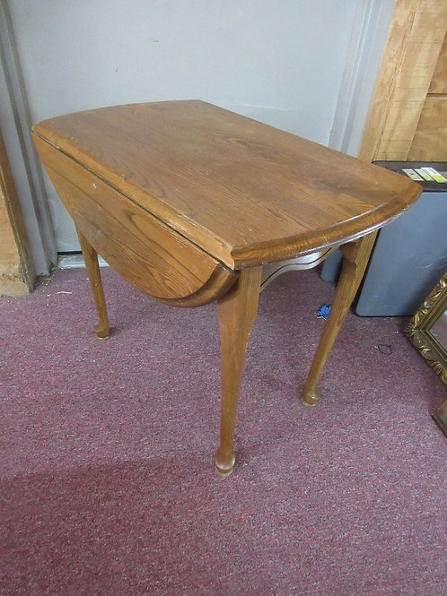 Queen Anne oak rectangular drop leaf end table