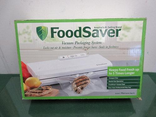 FoodSaver Vacuum packaging system - model v2040 - tested