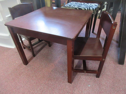 Kid Kraft cherry wood childrens activity table with 2 chairs