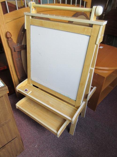 Kid Kraft deluxe heavy duty double sided art easel white board and chalk board