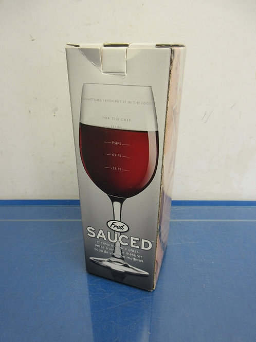Genuine Fred - Fred Sauced measuring wine glass - new in box