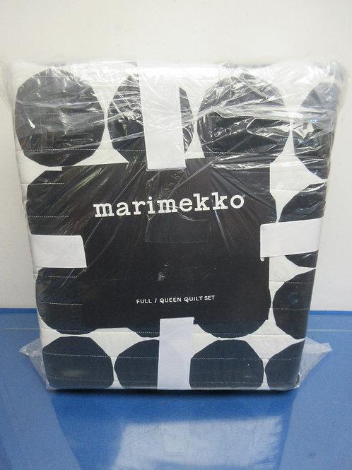 Marimekko black and white Queen quilt