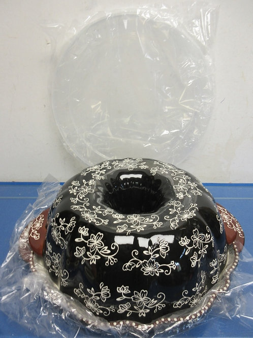 Temptations floral lace fluted bundt pan with lid & under tray