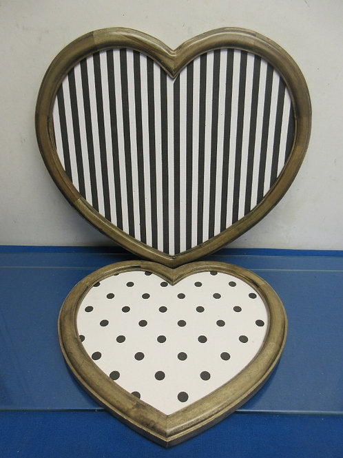 Set of 2 heart shaped wood framed cork board style wall hangings (1)large (1)sma