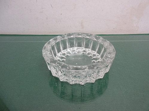 Heavy glass round cigar ash tray