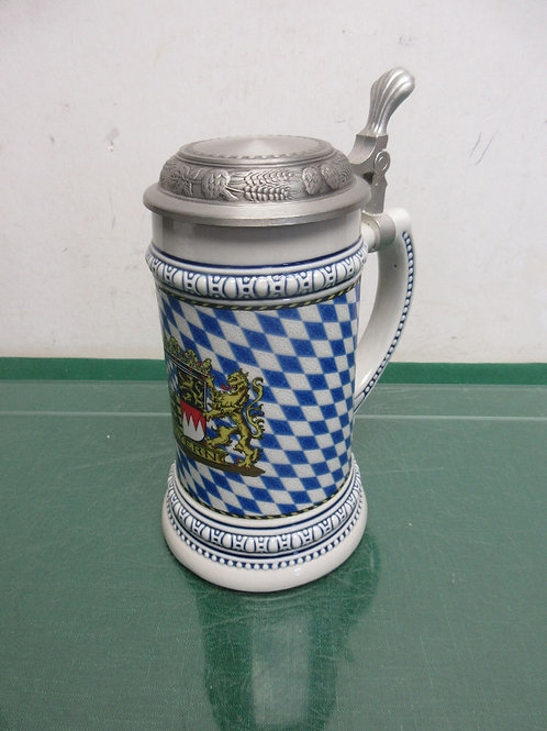 Blue and white stein with lid