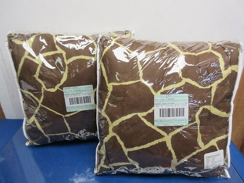 "Pair of Safari Giraffe pattern toss pillows 16x16"", NEw"