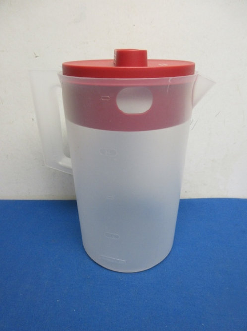 Rubbermaid plastic pitcher with red lid