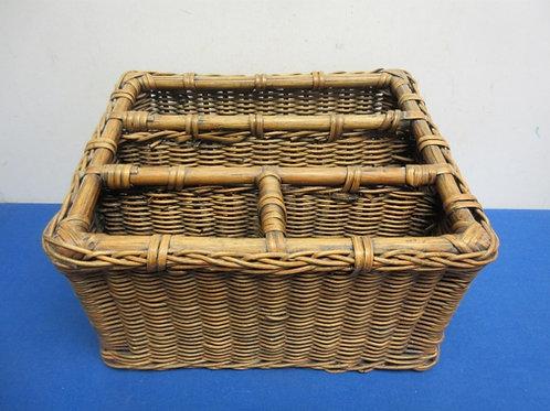 Heavy wicker 4 section picnic utensil basket