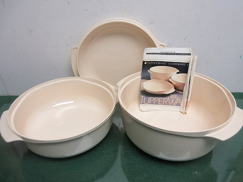 Tupperware ivory 3pc cookware set-pot stainer, and lid