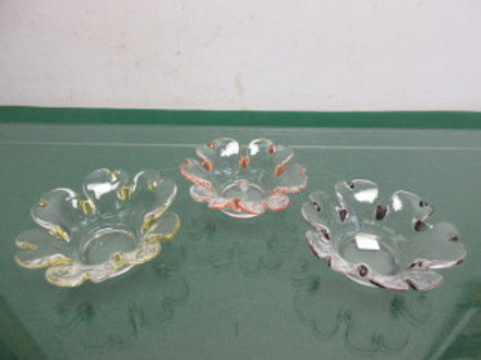 Partylite set of 3 flower shaped tealite holders