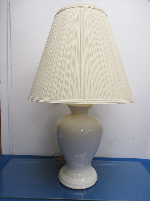 """White ceramic ginger jar style lamp with beige shade - 28"""""""
