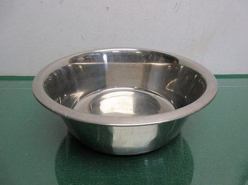 "Large stainless flat bottom pet bowl 9"" dia x 3"" deep"