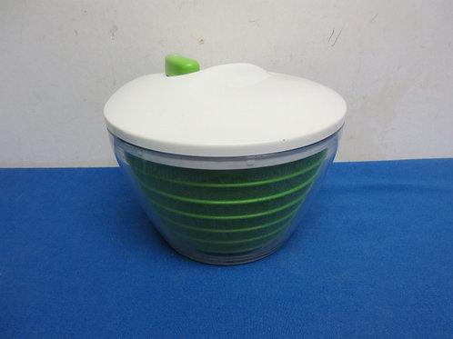 Progressive white & green salad spinner