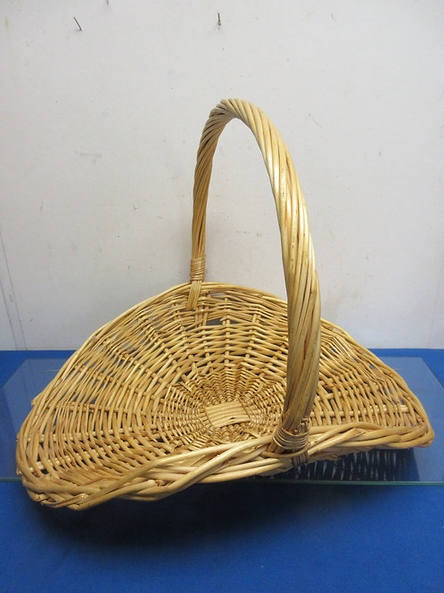 """Large flat wicker basket with handle 18x21"""""""