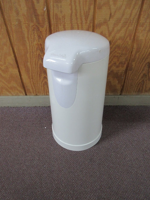 Munchkin diaper genie, no bags included
