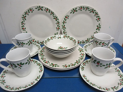 Royal Norfolk 16pc service for 4  dinnerware, holly design, dishwasher/microwave