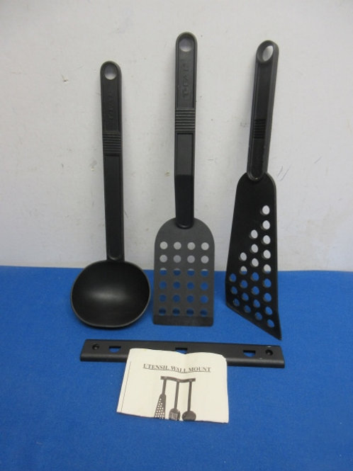 Set of 3 black plastic kitchen utensils with wall mount, 2 available