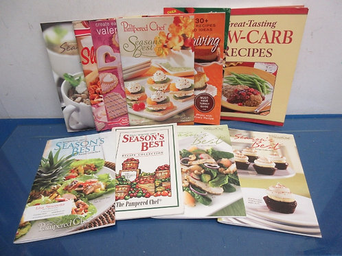 Set of 9 cookbook recipe booklets-Pampered Chef and Betty Crocker