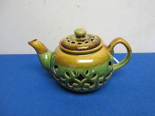 Green and gold teapot night light