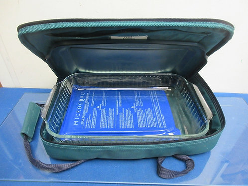 Pyrex portables, covered baking dish, insulated carrier & microwave cold pack