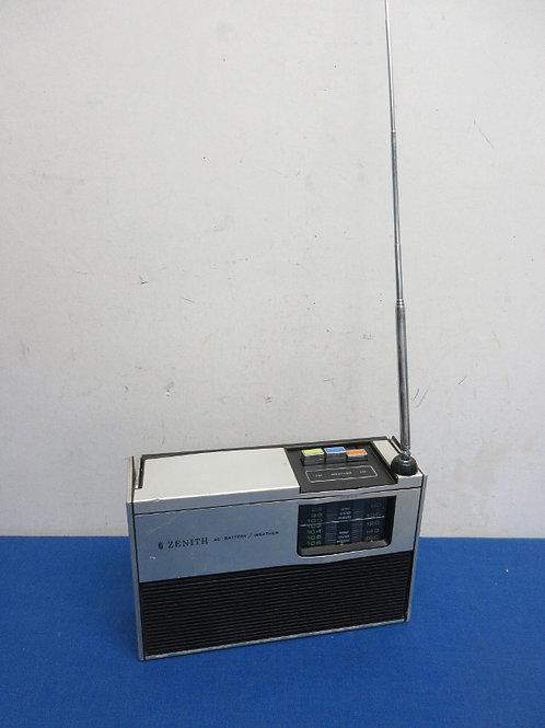 Zenith AM/FM electric radio