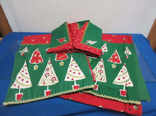 Holiday green table covering set, 2 table runners and 3 smaller  throws