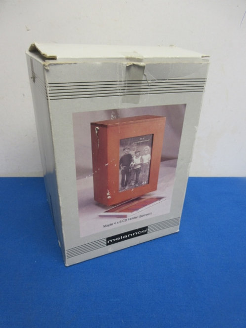 Melannco spinning cd holder w/picture slot in box