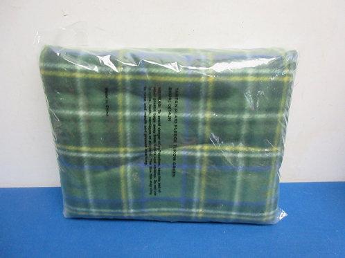 Tartan green plaid throw - new sealed