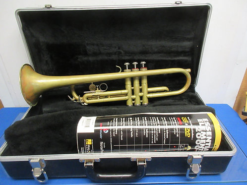 Collegiate Holton brass trumpet with case,(no mouth piece included)