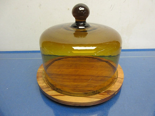 "Round wooden cheese board with amber glass dome, 8"" diameter"