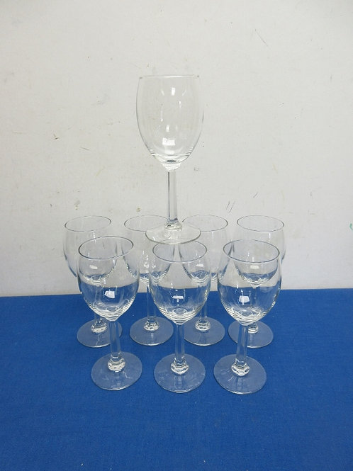 Set of 8 small stemmed wine glasses