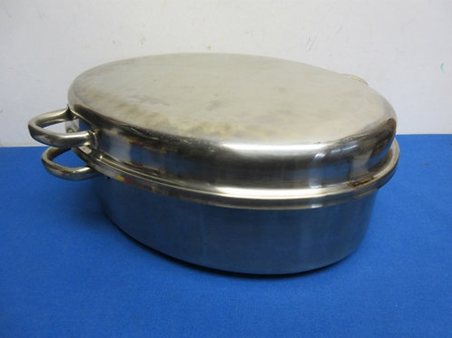 """Stainless steel roaster w/rack and lid, 10x15x 6""""deep"""