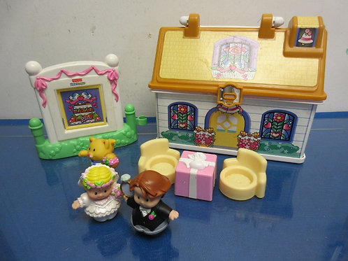 Fisher Price little  people wedding chapel includes 3 people & accessories