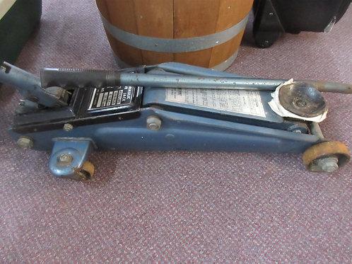 Blue 4000 lb hydraulic floor jack
