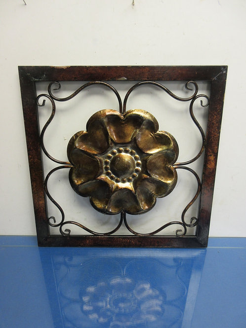 "Metal floral design wall hanging 16x16"""