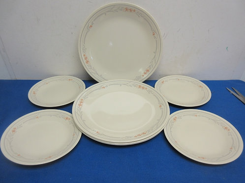 Set of 8 corelle plates - 4 dinner and 4 small