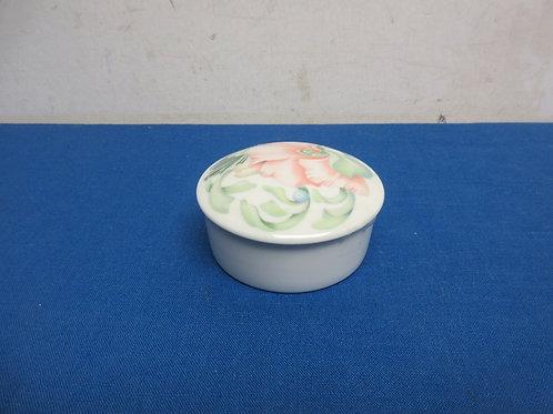 Limoges porcelain round trinket box, floral design on lid