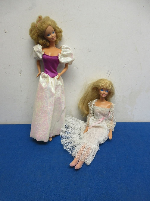 Pair of Barbie dolls