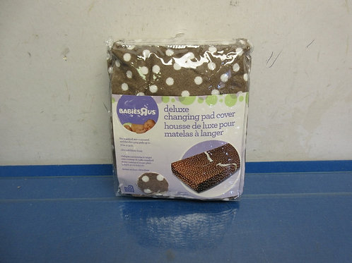 Babies R Us deluxe changing pad cover-brown polka dot-Brand New