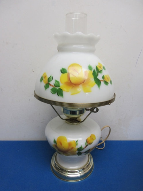 Hurricane lamp double light white with yellow roses